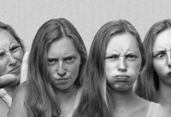Les visages du stress qui rend débile