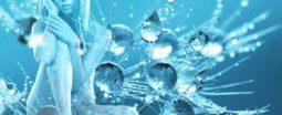 Femme sur fond de cristaux d'eau et de lumière
